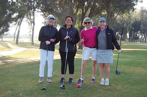 På tee: Karin, Marianne, Karin och Gertrud.