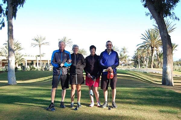 Roland,Ellie, Cicci och Peter på första tee, Tikida Course.