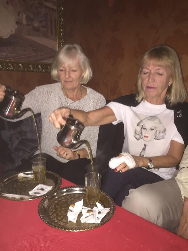 """Som avslutning körde Ingrid & Ingrid en demonstration i """" The Noble art of making a cup of morrocan the""""."""