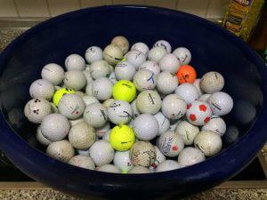 Pedro fortsätter att hitta bollar som delas ut till behövande:)