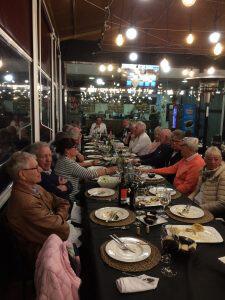 24 hungriga golfare på La Lonja