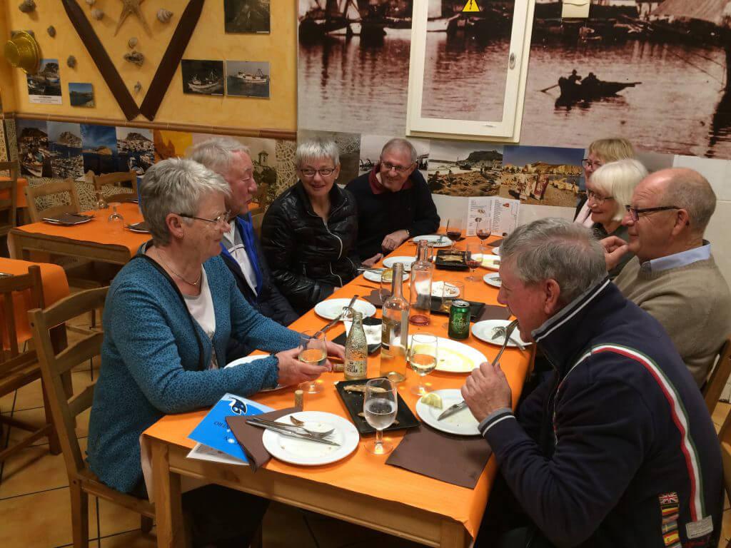 Tapastur med mycket gott!! Lena, Ingeman,Pia.Helmut,Britt-Marie, Ingrid, Kjell och Patrick