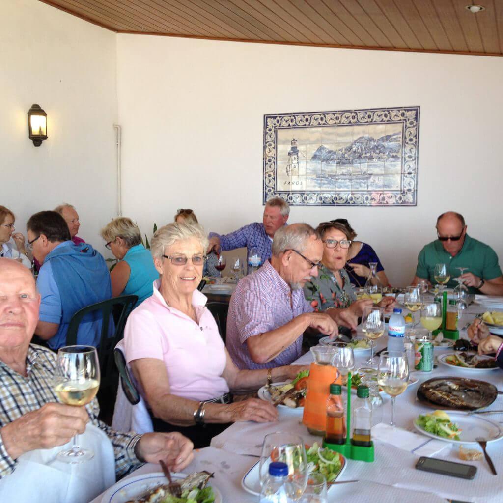 Sedan bar det av till Porthino en härlig liten by vid havet där vi åt en mycket god fisklunch