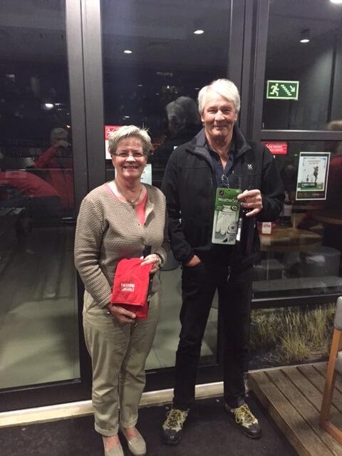 Glada 1:a pristagare blev Göran och Monica.