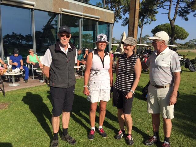Bästboll tävling! Entusiastiska golfspelare är Alvar, Anitha, Ann och L-G.