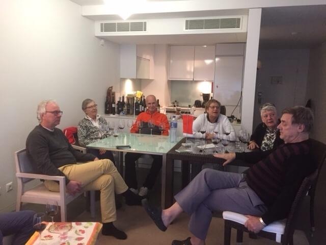 Är vinerna goda?undrar Åke, Inga-Maj, Kurt, Ylwa, Kerstin och Kenneth.