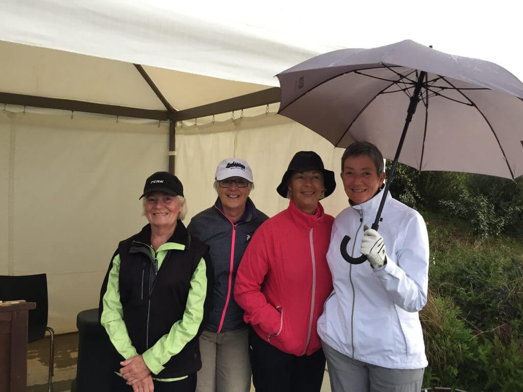 Lite regn innan start kom också på Solveig, Inger, Elzbieta och Anna-Greta