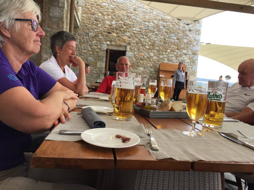 En något törstig Per. Här med Inger, Anna-Greta och kanske lite trötta Björn.