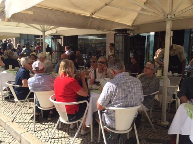 A Brasiliera är ett populärt ställe att träffas på.