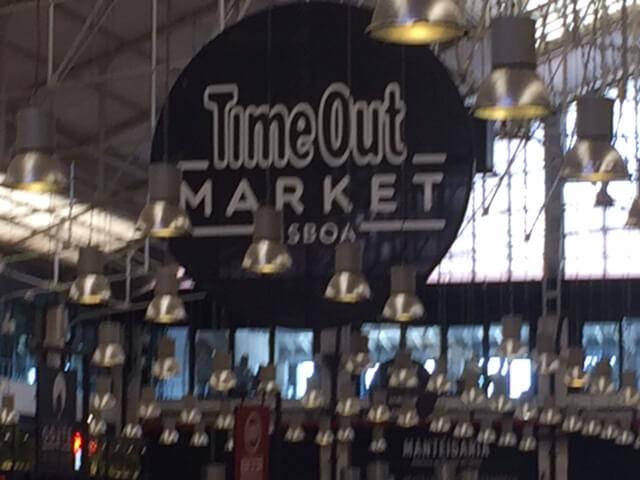 På Time out market kan man avnjuta en god lunch.